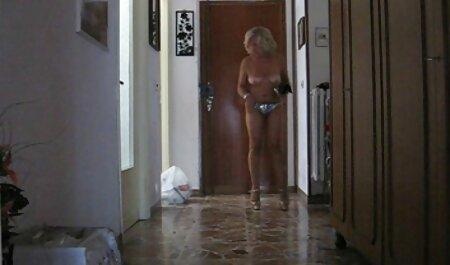 ロシア雛とともに剃毛膣と丸いお尻与えますファン アダルト 動画 女性 の ため