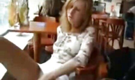 Audrey 女性 の ため の エッチ な 動画 Bitoni cums美しいからバイブレータ