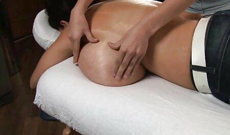 ランナーは、男性の運動汗でゴージャスなエミリアアルガンを鞭 女性 が 見る セックス 動画