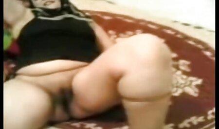 かわいこちゃんは入り口のドアの肛門で自分自身を性交する男を与える 女 用 無料 動画