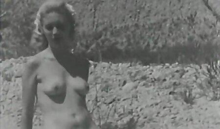 女の子パロマスターは、ポルノ写真で主人公を所有しようとします 女性 向け av 無料