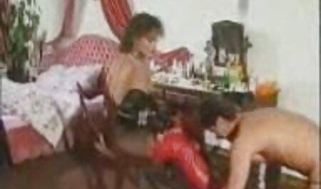 ピンと張ったお尻と搾乳されている月の秘密の星のファック 女子 の ため の h 動画