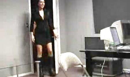 茶色の髪の短いクリップとセックスするお金を提供する 女の子 向け 無料 エロ 動画